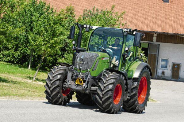 Fendt 300 Vario Series Tractor