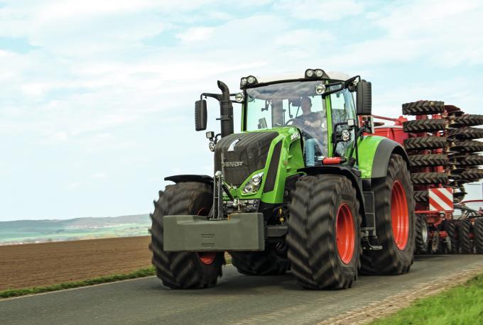 Fendt 800 Vario Series Tractor