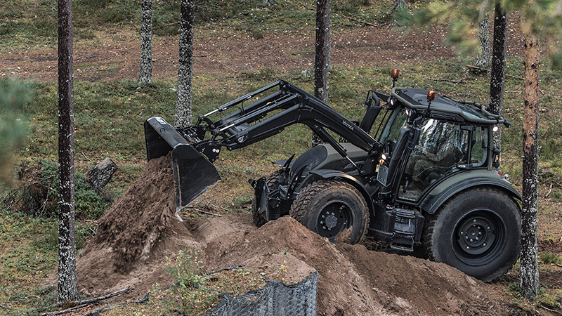 valtra n4 series tractor unlimited defence frontloader 800 450